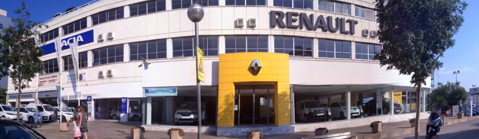 concesionario Renault Retail Group Esplugues